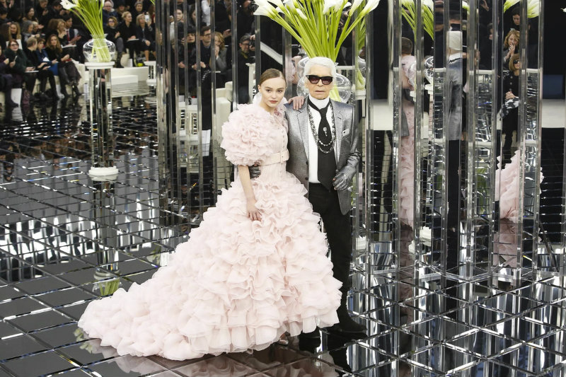 chanel couture spring 2017 lily rose depp