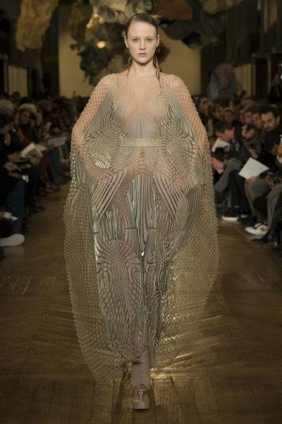 Iris Van Herpen spring 2018 couture paris_1