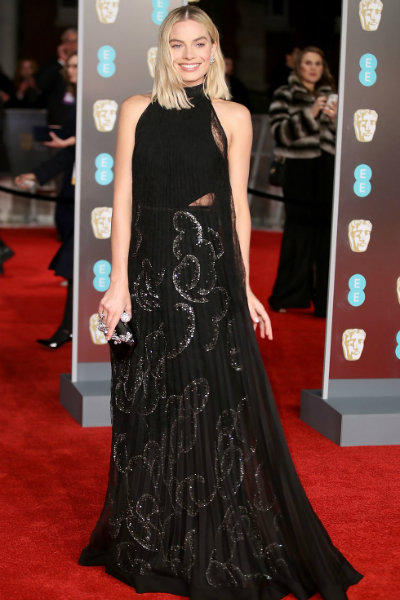 10_margot robbie BAFTA 2018 red carpet givenchy