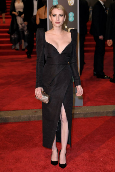 4_Emma Roberts BAFTA 2018 red carpet schiaparelli