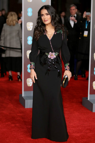 8_salma hayek BAFTA 2018 red carpet gucci