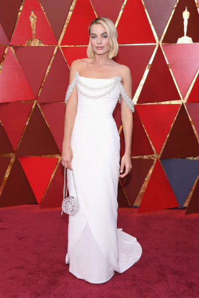 2_margot-robbie-chanel-oscars