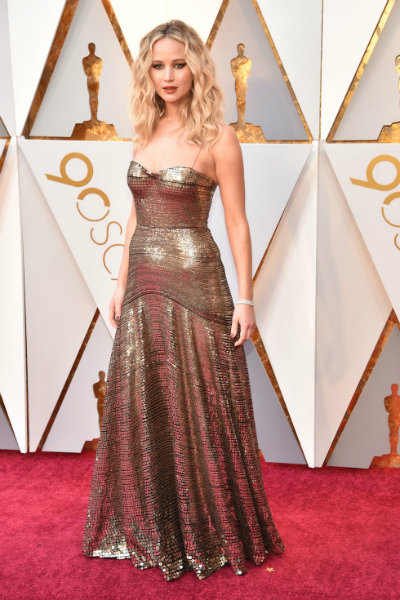 7_oscars_jennifer-lawrence-dior