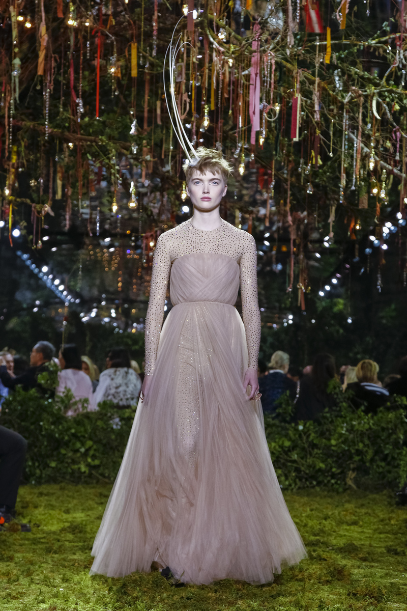 Dior-Couture-SS17-Paris-5502-1485184848-bigthumb
